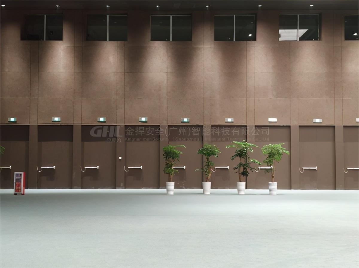 广州越秀国际会议中心会议厅疏散门安装电动推杆锁