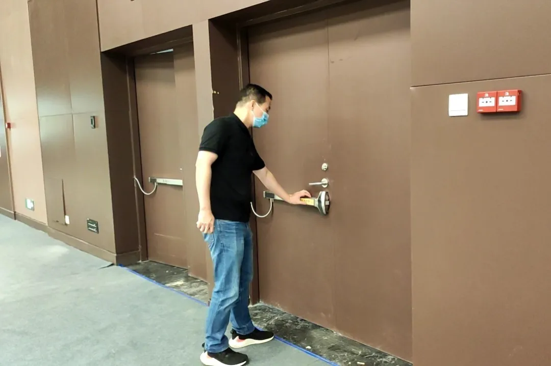 电动推杆锁支持室内推杆快速逃生